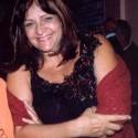 Fotografia (detalhe) tirada em 2005, por ocasião da mostra coletiva: Tecido do corpo Social, no Museu do Traje e do Têxtil, Salvador, Bahia. Autoria da foto não identificada.